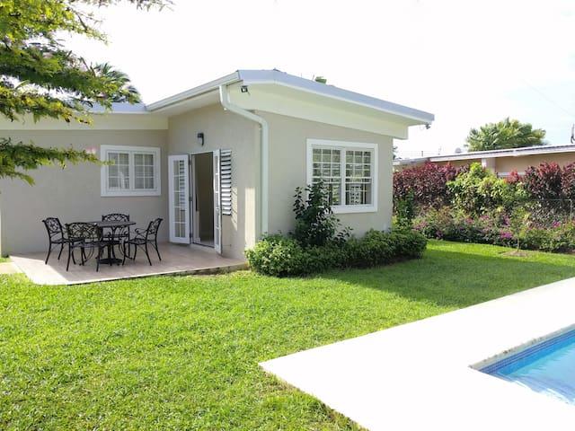 modern Sunset Crest 3-bed villa w/pool - Holetown