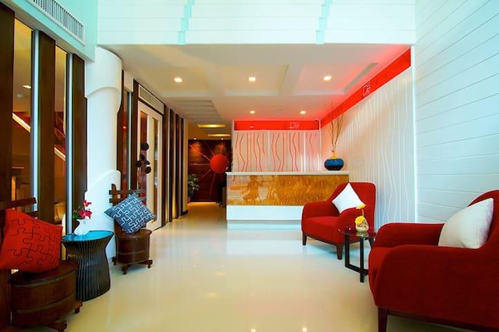 1 bedroom themed Bangkok deco,BTS