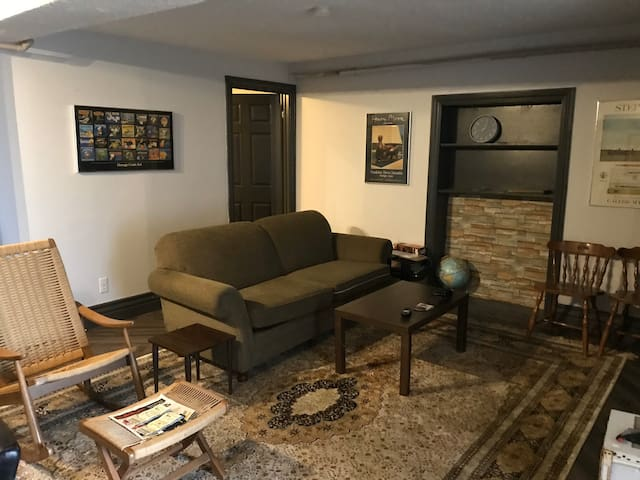 Downtown Apartment! Newly renovated!