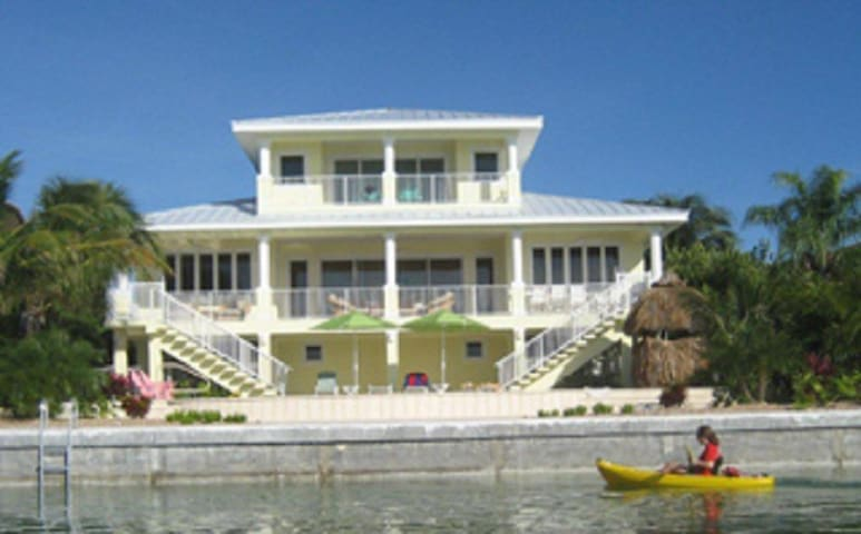 Harbour Dream 3 Bed 3 bath Open water sunsets Home