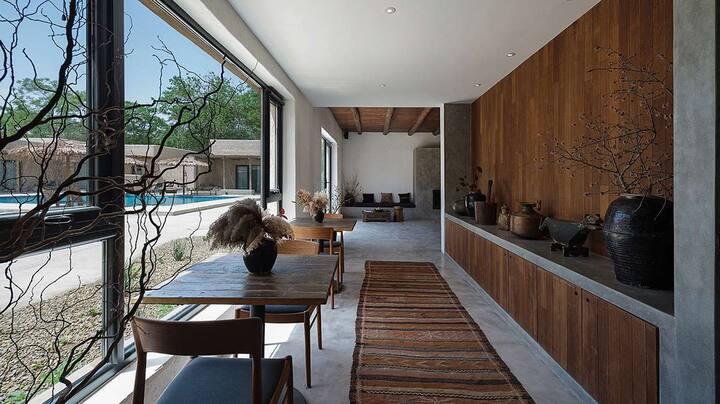 南岸❦沙坡头景区/近黄河/带浴缸/摩洛哥风格/室外泳池/西北经典大床房7号房