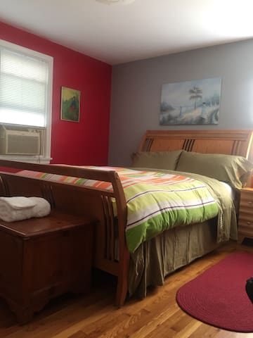 Providence Area, Large Bedroom