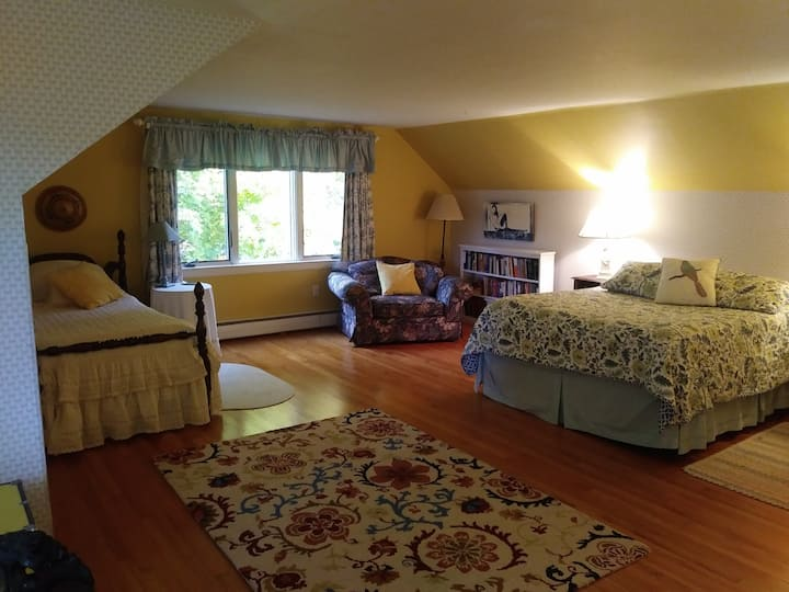 Suite Near Bard & Hudson Valley Farmer's Market