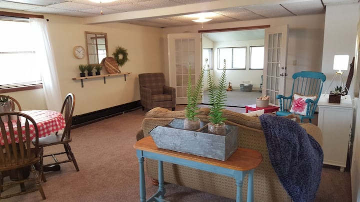 Cozy Guest Suite, Near I-229 and Avera Hospital