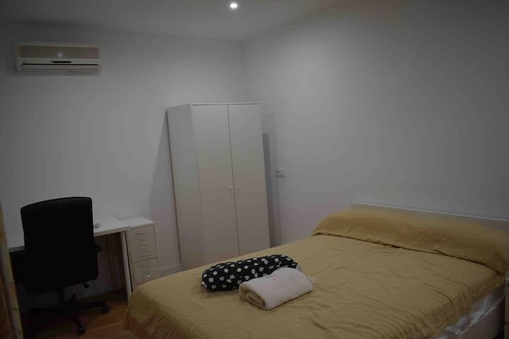 Double room (big bed) at apt in Cala Bona