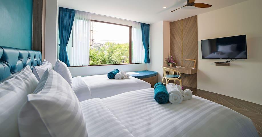 Deluxe Room In Oceana Resort Phuket