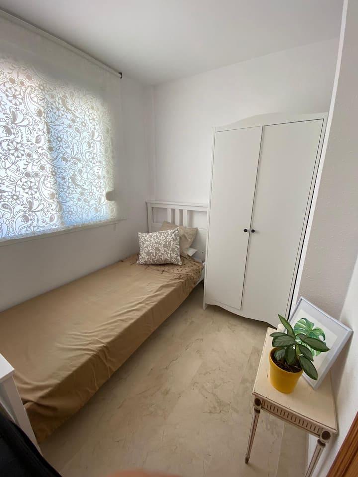 Hermosa habitación céntrica a 100 metros del mar