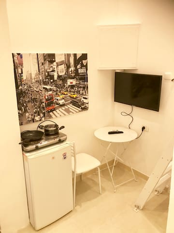 Renovated Studio. Top Location. A15.  Heart of TLV