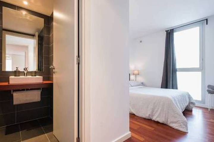 7# Double Suite with bathroom A/C