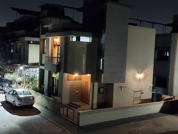 CA Vishal Thakkar home