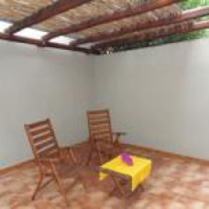 La veranda ombreggiata della Villetta