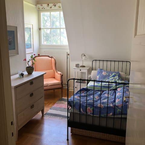 Rum i villa nära centrum (Örgryte)