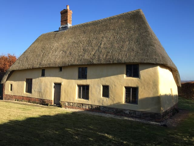 Thatched 15th Century cottage - Lincolnshire - Hus
