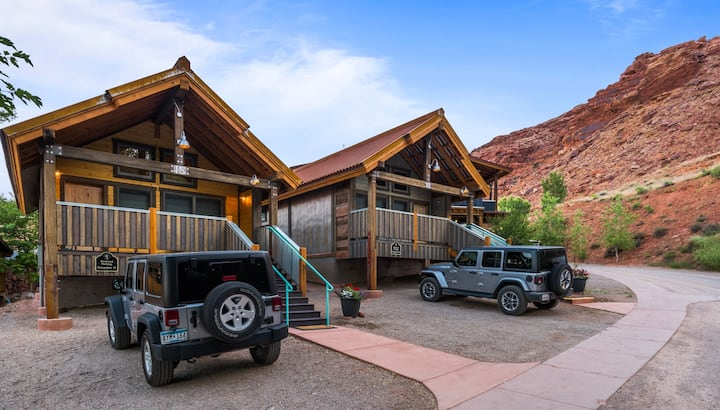 Premium Single Bungalow @ Moab Springs Ranch