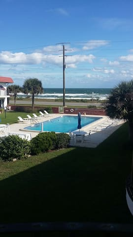 Tropical Beach Front Luxury Condos - Flagler Beach - Appartement