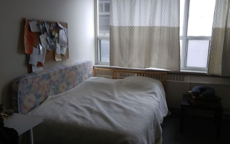 Cozy 1 Bedroom  Apartment. Great for explorers! - Toronto - Apartment