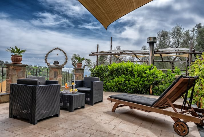 Private Domus-Ars Terrace