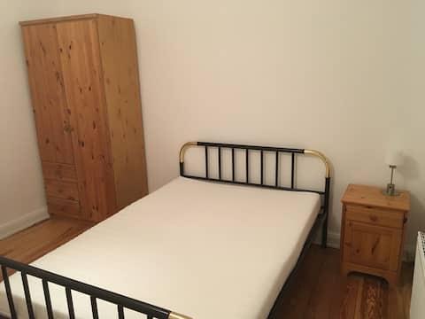 公寓21 ,位於Elmshorn中心的小房間