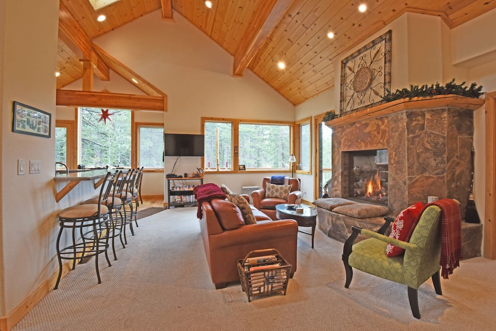 Family room and gas fireplace