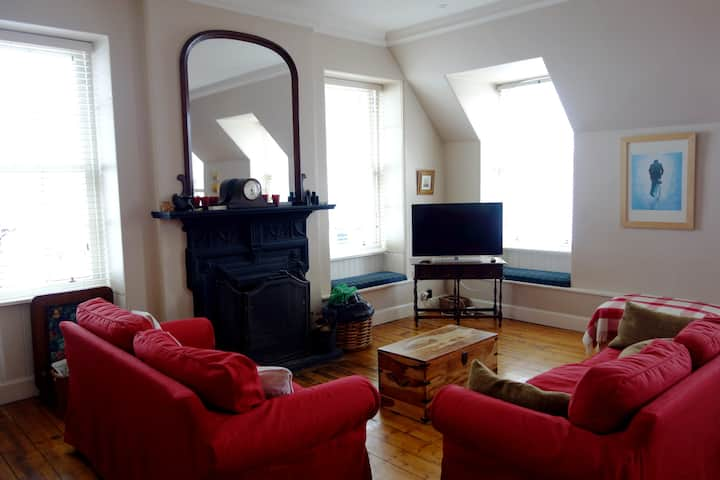 Apartment with Loch View - sleeps 4