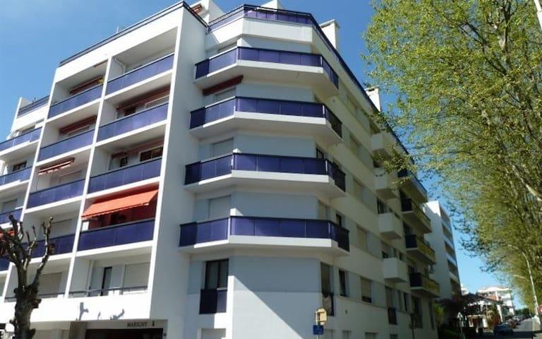 Agréable studio avec balcon au cœur de St Charles
