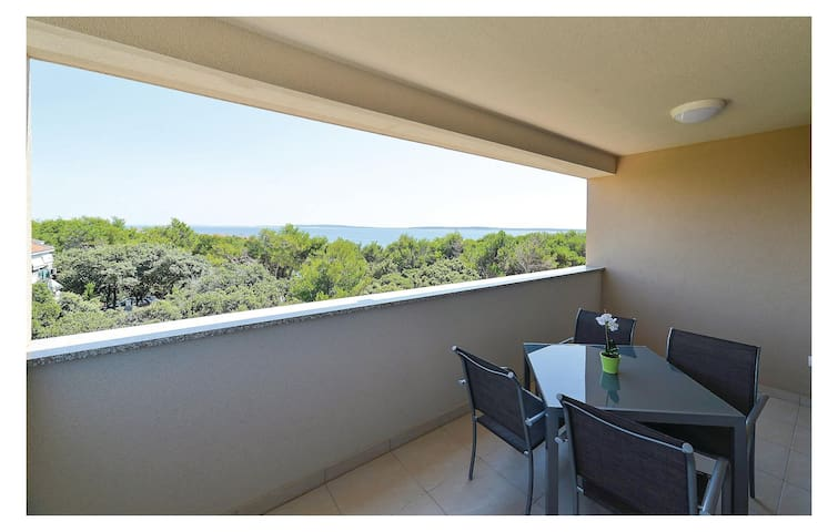 Holiday apartment with 2 bedrooms on 46m² in Mandre