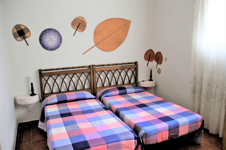 Las camas del dormitorio.