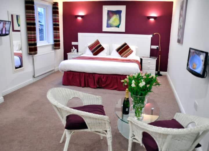 St John's Lodge Guesthouse - Large King Room (incl off-site health club), Windermere