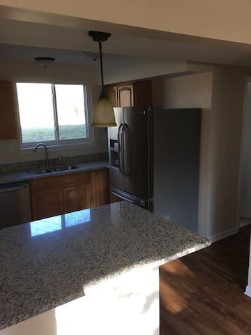 Room in 3bd house - Waterford Township - 獨棟