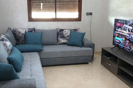 Beautiful room 20 min from Mohamed V Airport