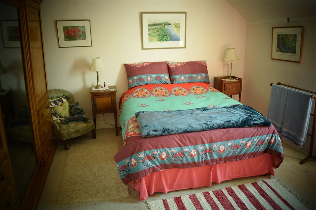 Guest Bed (King-size)