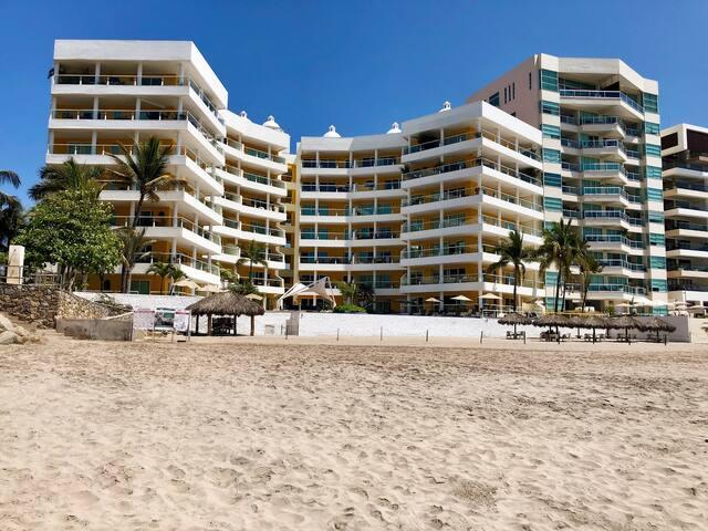 Amazing Apartment @ N.Vallarta right on the beach