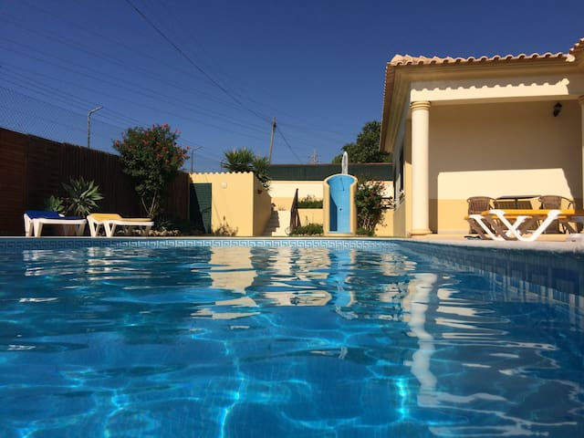Independent 2 BED apartment in a villa ( AIR COND) - Albufeira - Villa