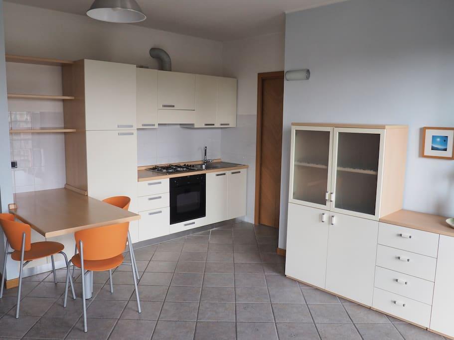 Monolocale zona universita e centro appartamenti in for Appartamenti in affitto a novara arredati