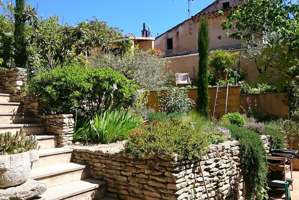 vue sur jardin en terrasses