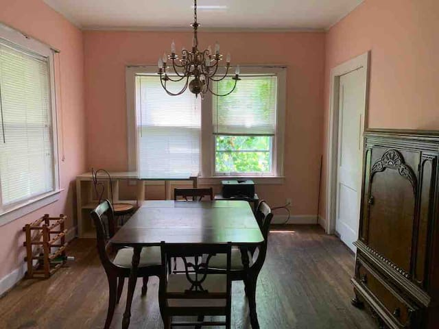 Grosse Pointe Pk-Furnished House