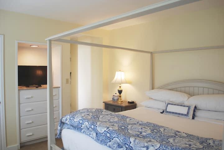 King room 26 at Anne's Washington Inn