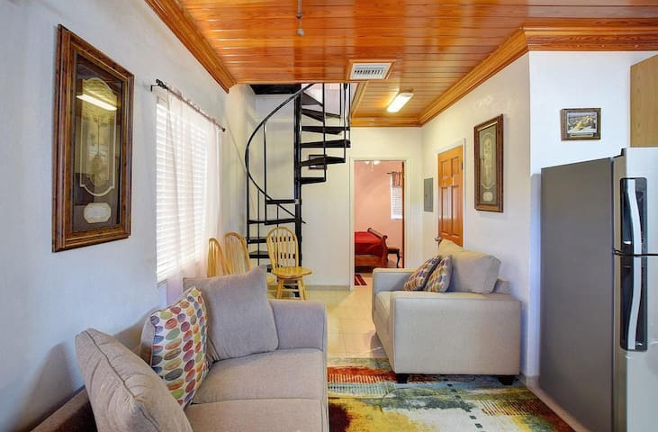 The Cozy Loft in Paradise