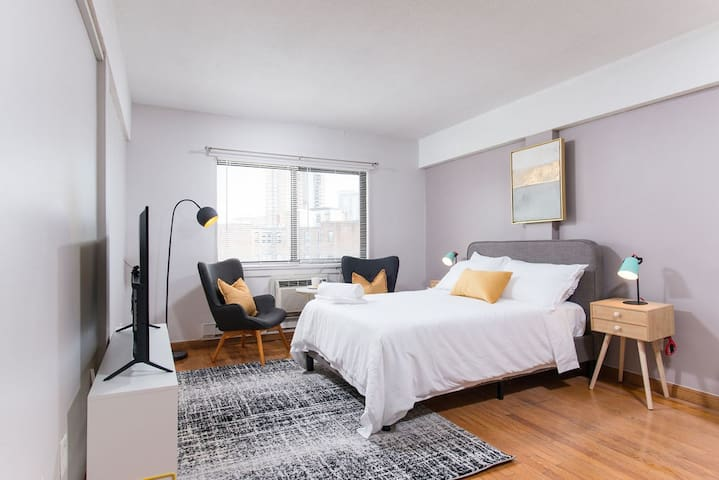 Bright and Cozy Boston Studio near Subway416