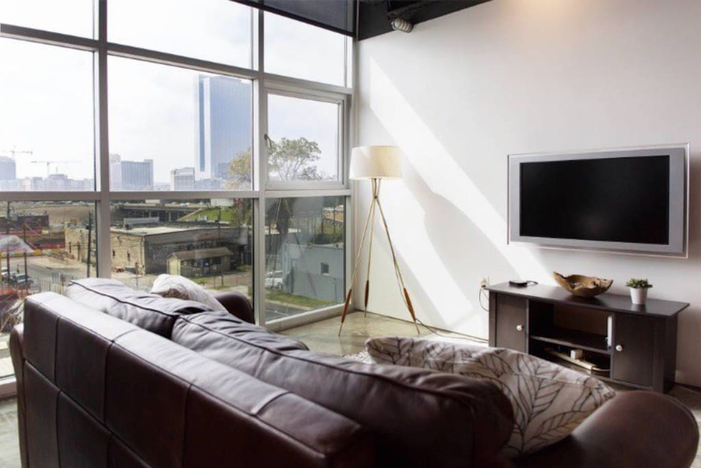 Clean & modern condo in the middle of the action