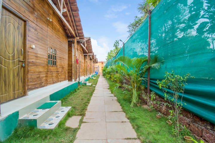 Elegant cottage for 3, near Arambol Beach/74121