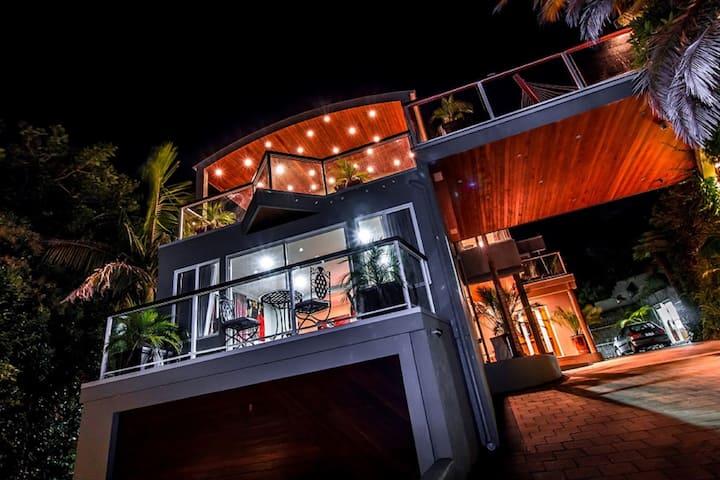 Penthouse Suite @ Sanctuary Palms