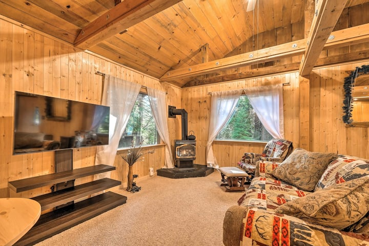 NEW! Cabin w/Fire Pit: Mins to Vineyards & Hiking!