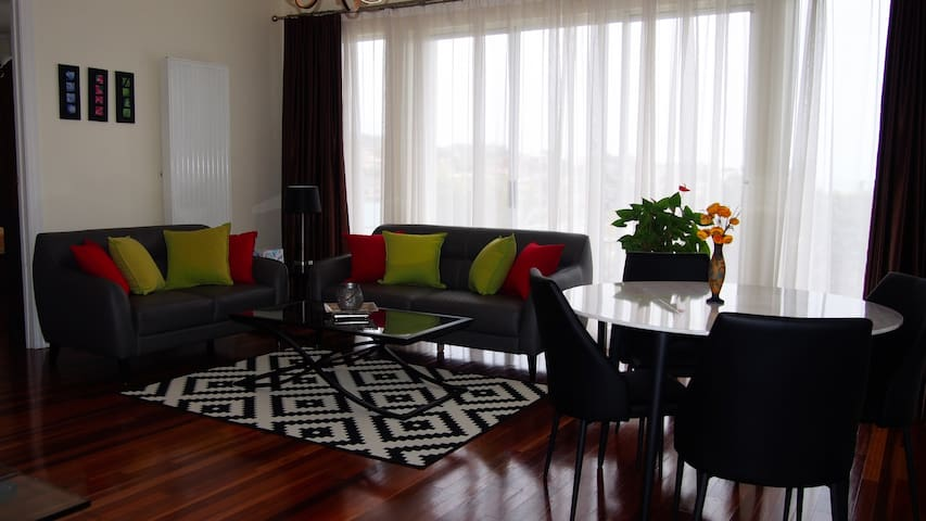 Quiet Seaside Apartment Adelaide