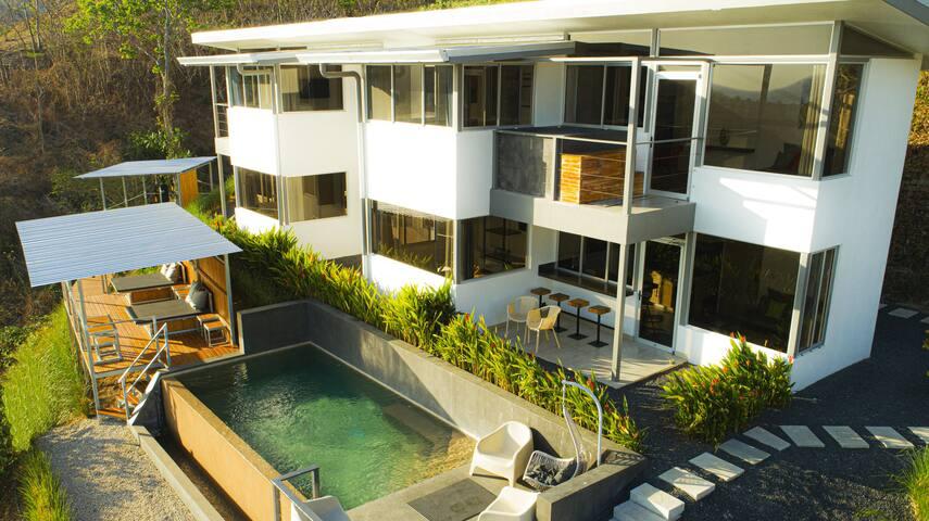 Playa Potrero Luxury Condo Horizon 2, Ocean View