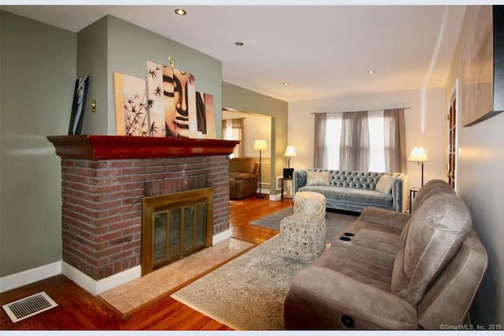 Beautiful house close to beach and Yale,UNH ,
