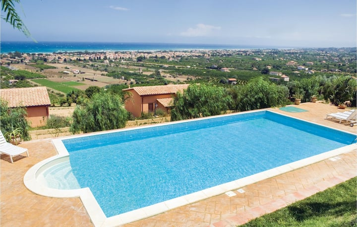 Awesome home in Campofelice Roccella with WiFi, 1 Bedrooms and Outdoor swimming pool