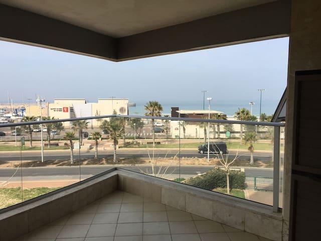 Appartement les pieds dans l'eau à la Marina - Ashdod - Wohnung