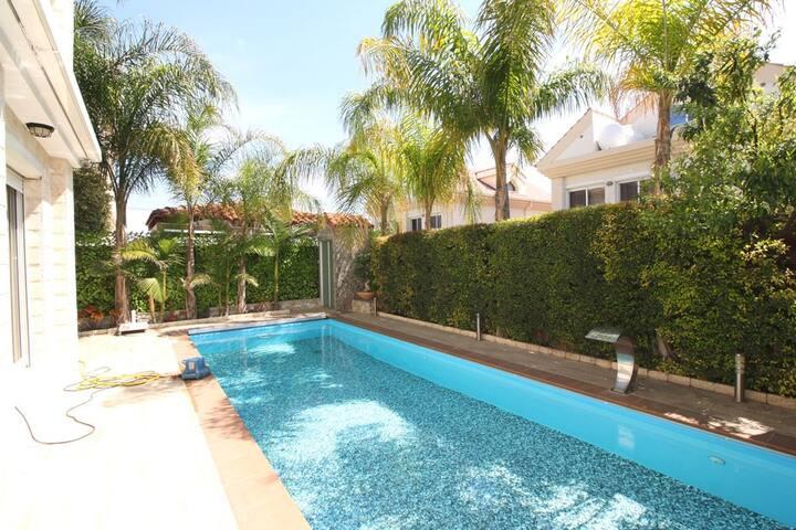 3b Deluxe Pool villa - Lighthouse beach - Germasogeia - Villa