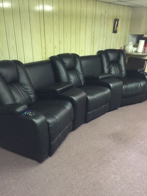 Leather power reclining sectional. Extremely comfortable!
